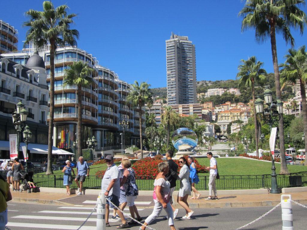 Парк напротив Казино Монте-Карло