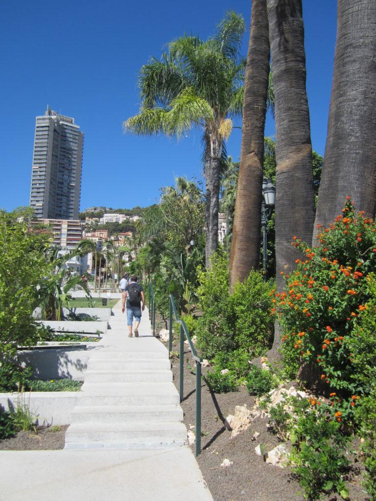 Парк напротив Казино Монте-Карло, Монако