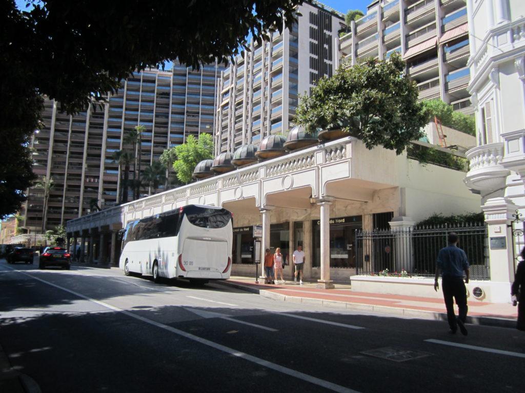 Остановка автобуса № 100 из Монако