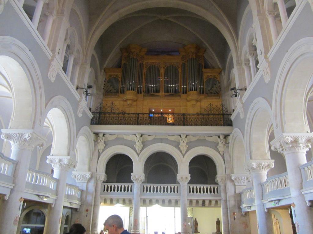 Орган в церкви Нотр-Дам де Бон Вояж