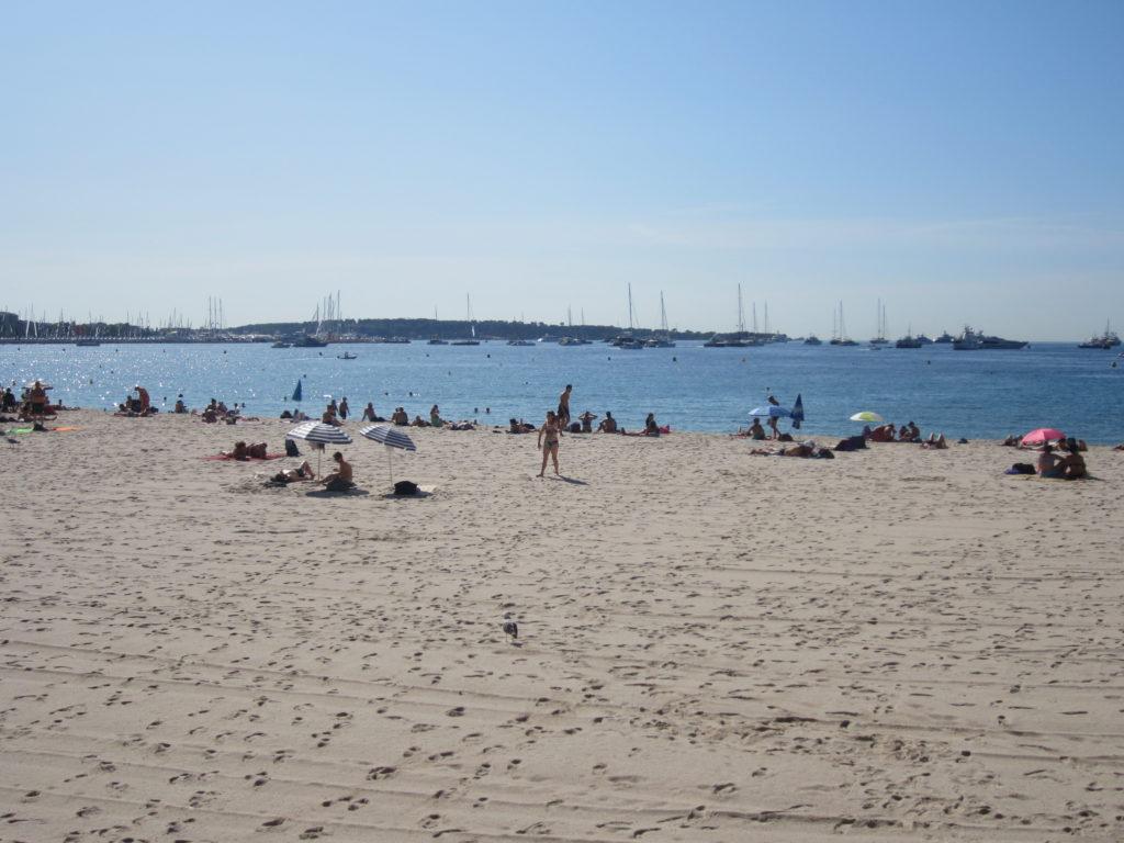 Канны (Cannes). Пляж