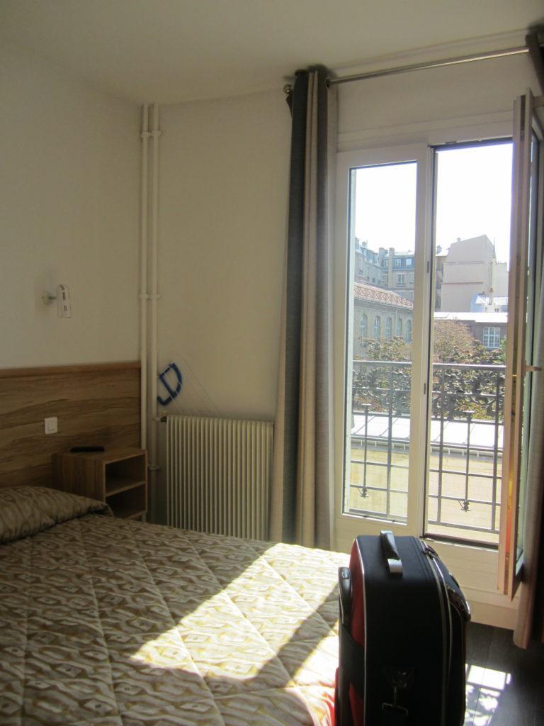 Номер в апарт-отеле Family Residence. Париж