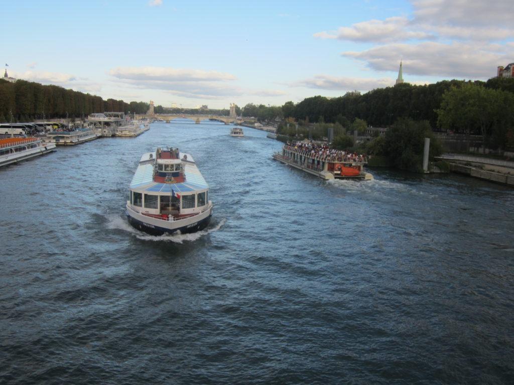 Париж. Экскурсии на теплоходе