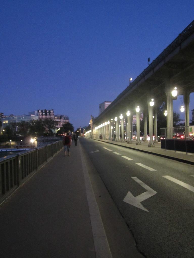 Париж, по мосту Бир-Хакейм