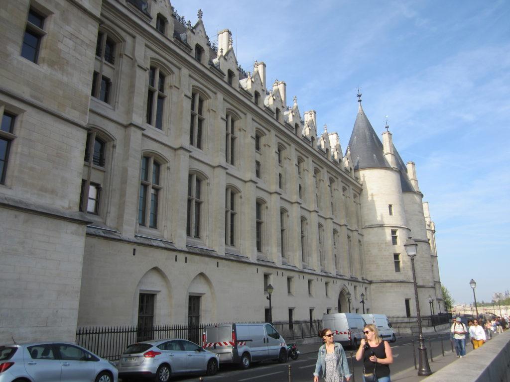 Здание Консьержери (La Conciergerie) на острове Сите