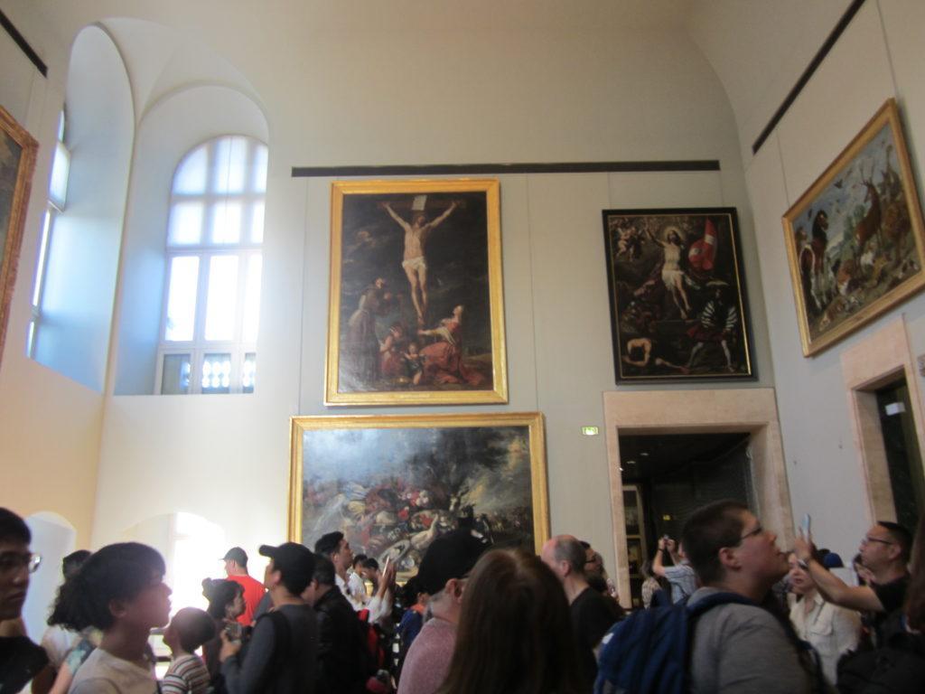 Париж. Лувр. Очередь к картине Леонардо да Винчи «Джоконда»
