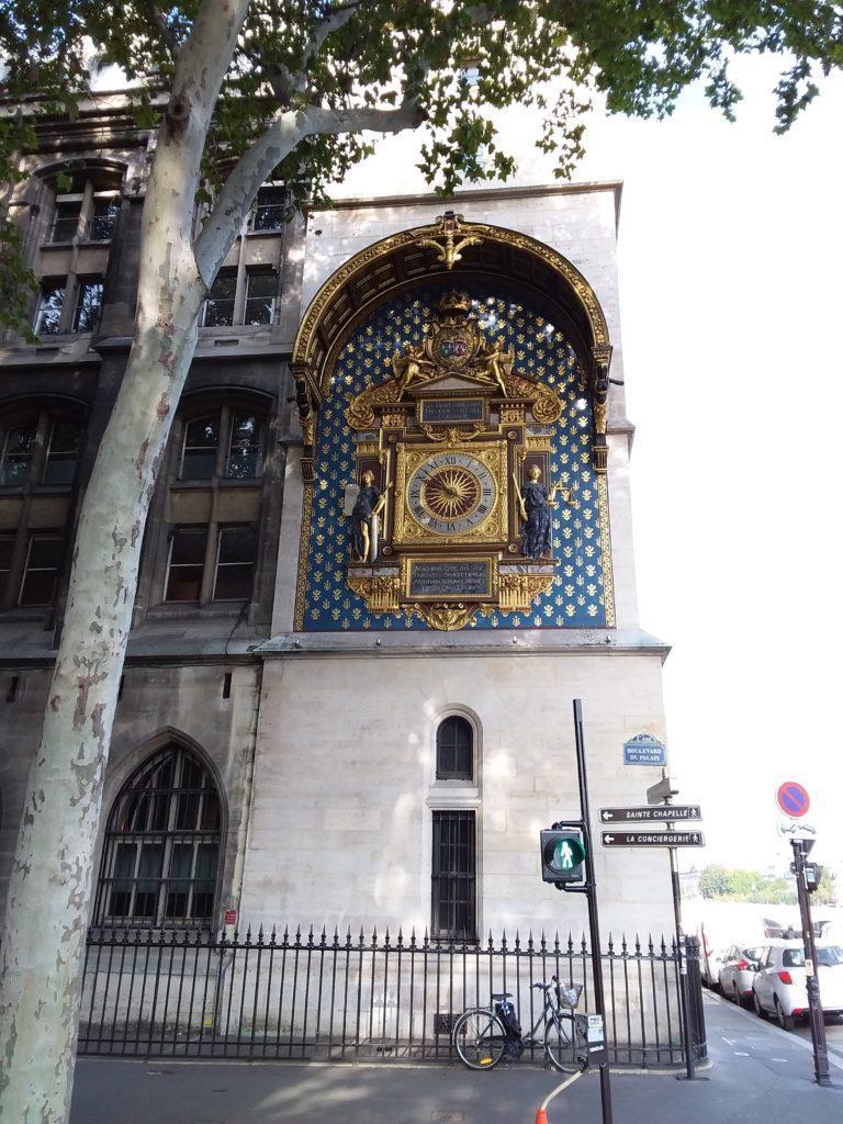Часовая Башня La Conciergerie