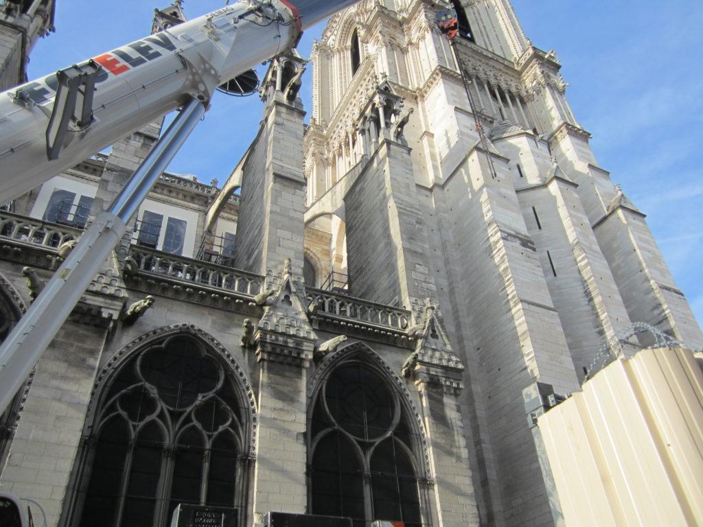 Восстановление Нотр Дам де Пари после пожара