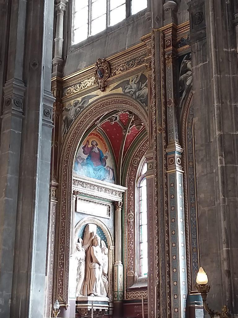 В Церкви Сент-Эсташ (Église Saint-Eustache)