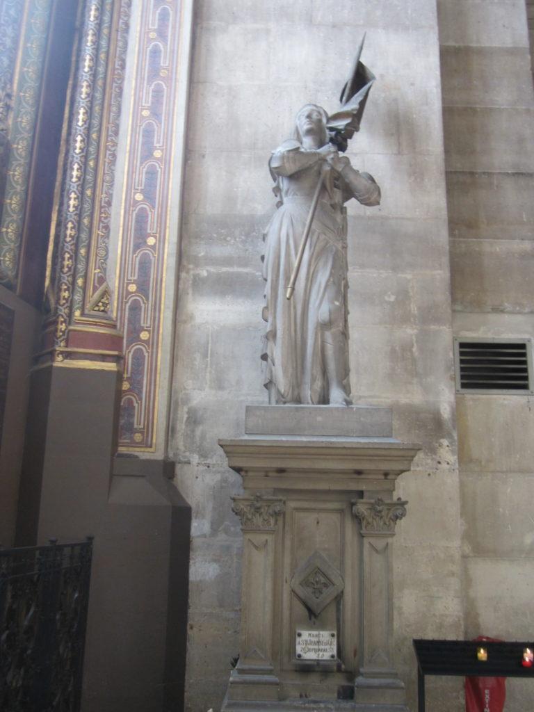 В церкви Сент-Эсташ