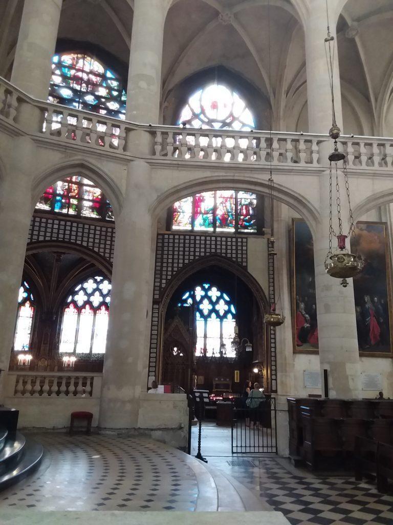 Церковь Сент-Этьен-дю-Мон. Париж