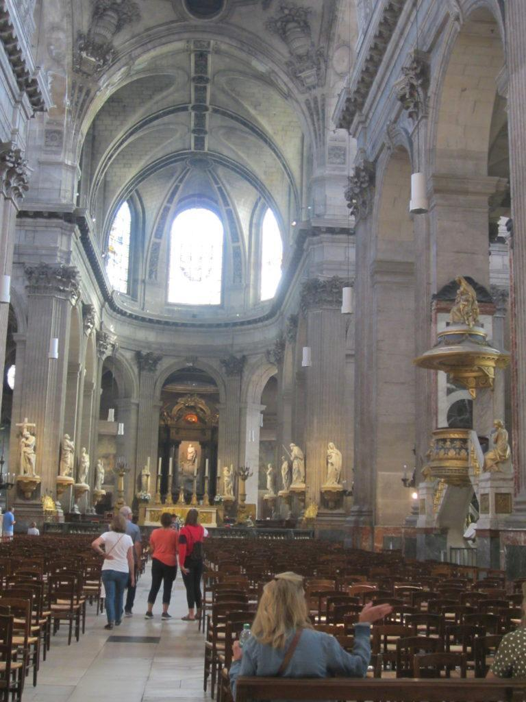 В церкви Сен-Сюльпис