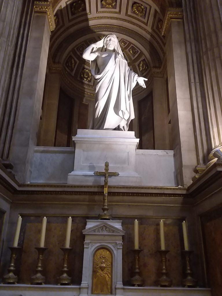 В церкви Мадлен (l'église de la Madeleine)