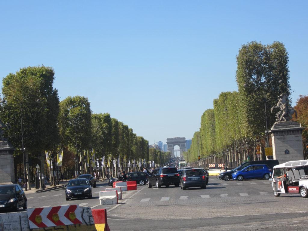 Париж. Елисейские поля от пл.Согласия