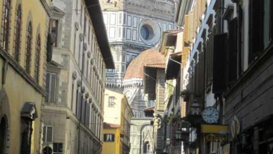 Флоренция — красота, воплощённая в камне.