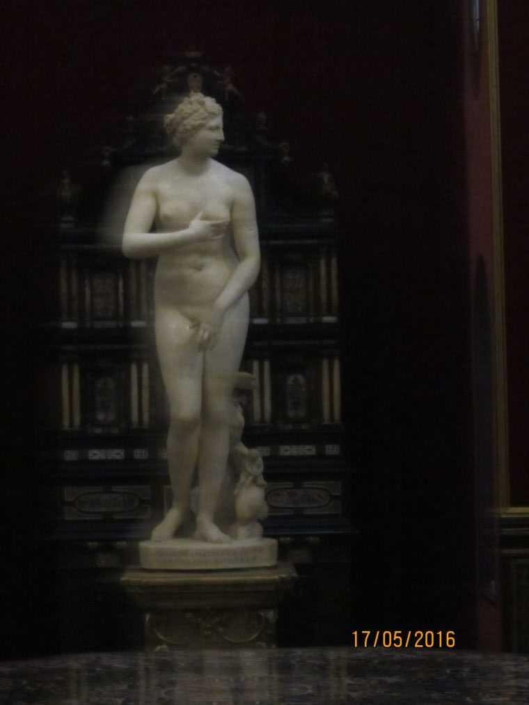 Венера Медичи (в Зале Трибуна)