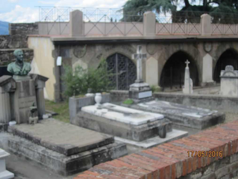 Церковь Сан Миниато аль Монте. Некрополь Святых Врат