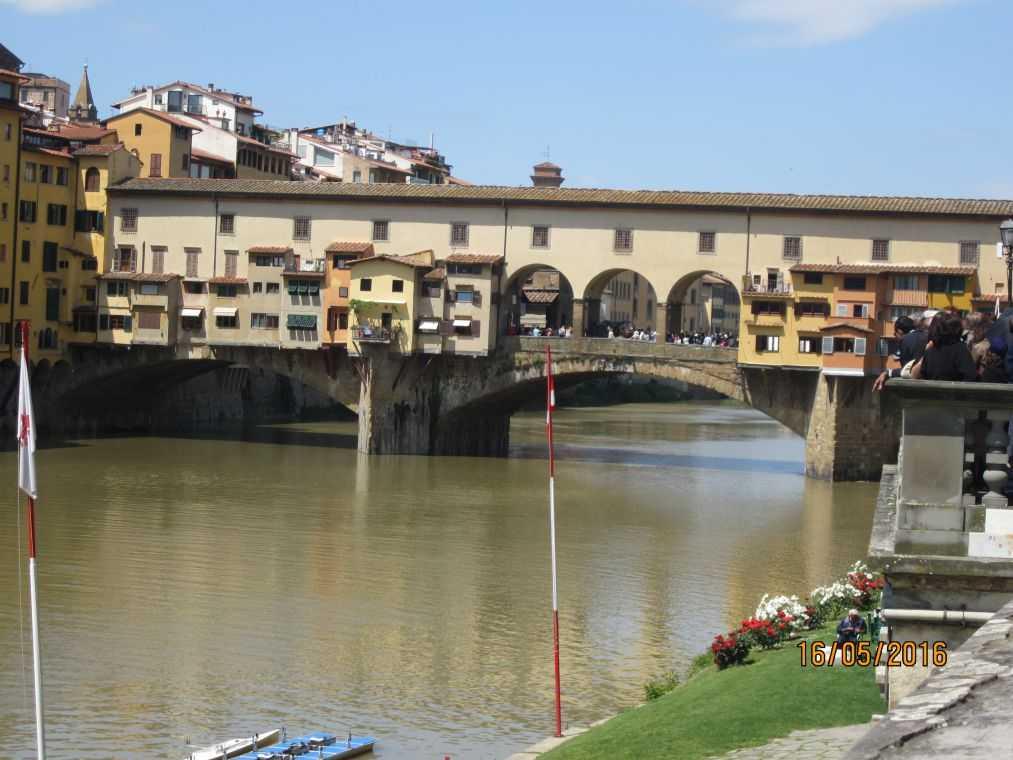 Мост Понте-Веккьо во Флоренции