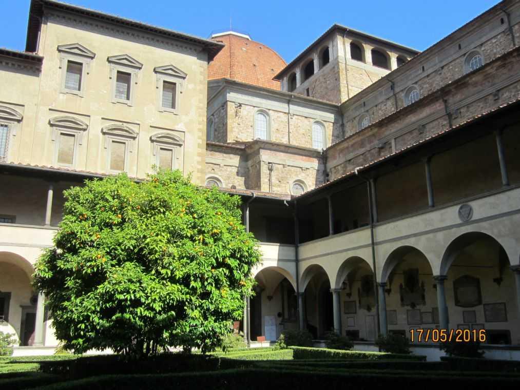 Флоренция. Клуатр базилики Сан-Лоренцо