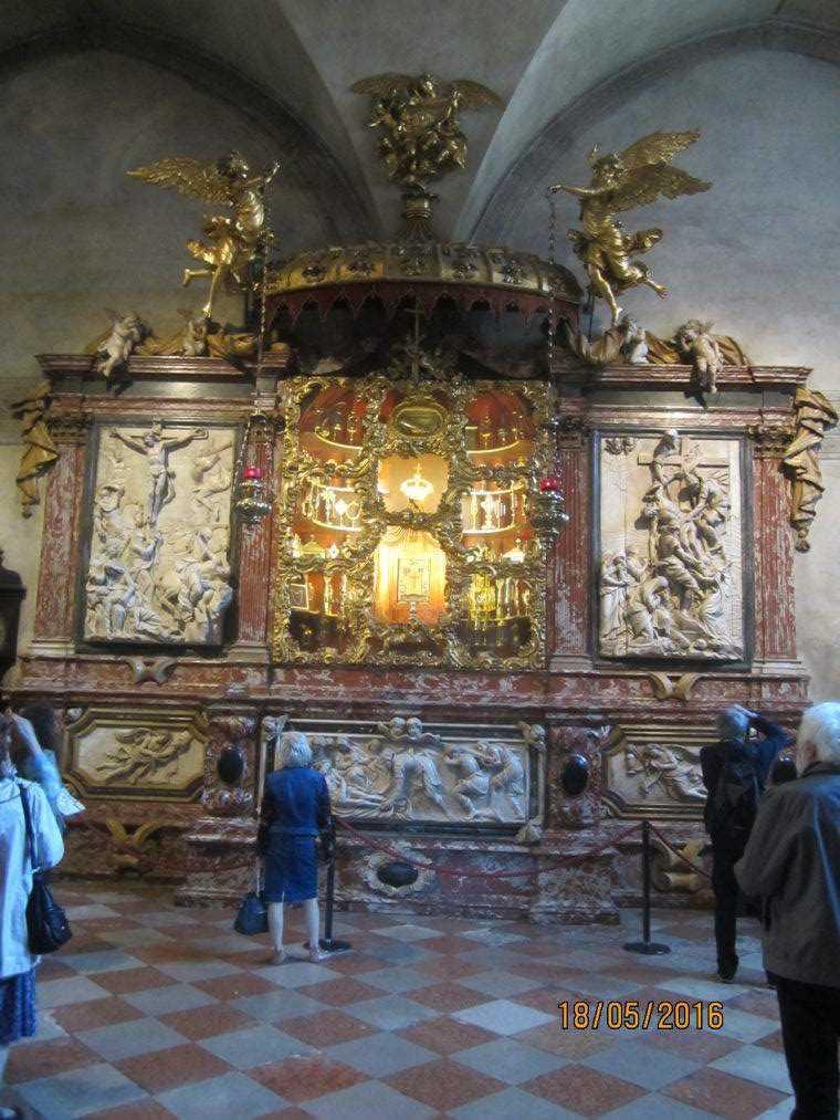 Собор Санта-Мария Глориоза деи Фрари