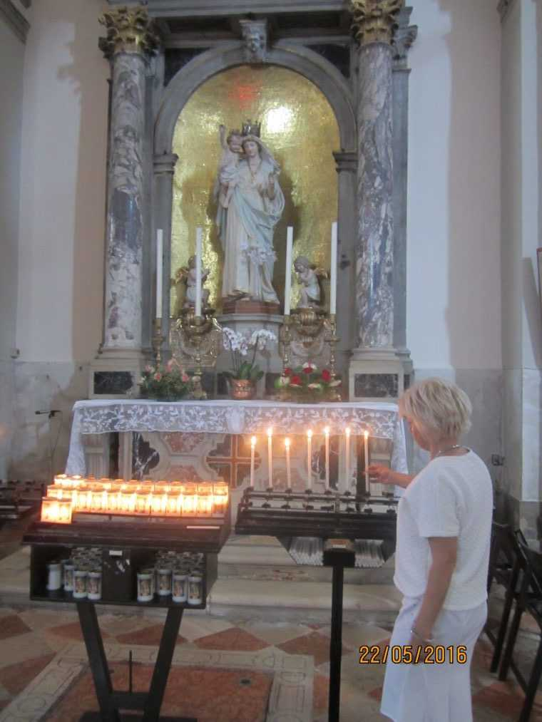 В церкви, остров Бурано (Burano)