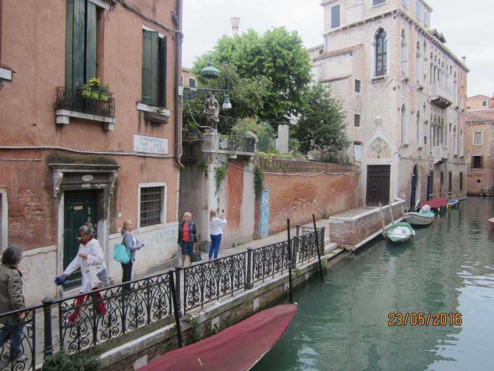 Прогулка по району Кастелло в Венеции