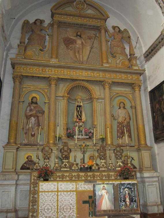 Собор Св. Екатерины (Гоа). Алтарь Богоматери Скорбящей
