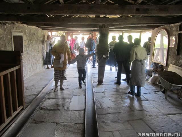 В монастыре Варлаам