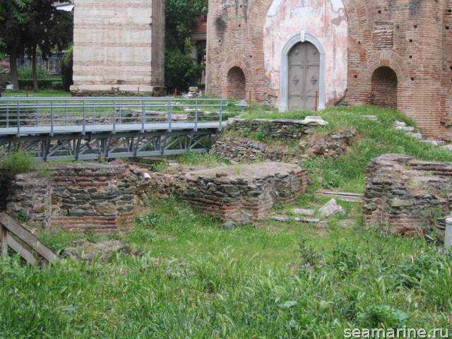 Достопримечательности Салоники. гробница Галерия