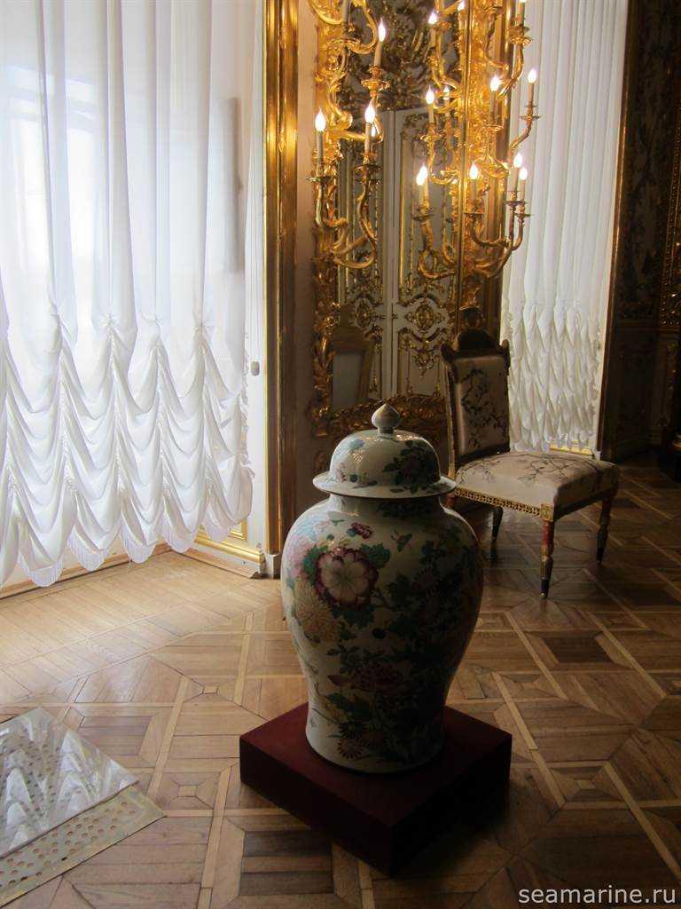В Китайской гостиной Александра I