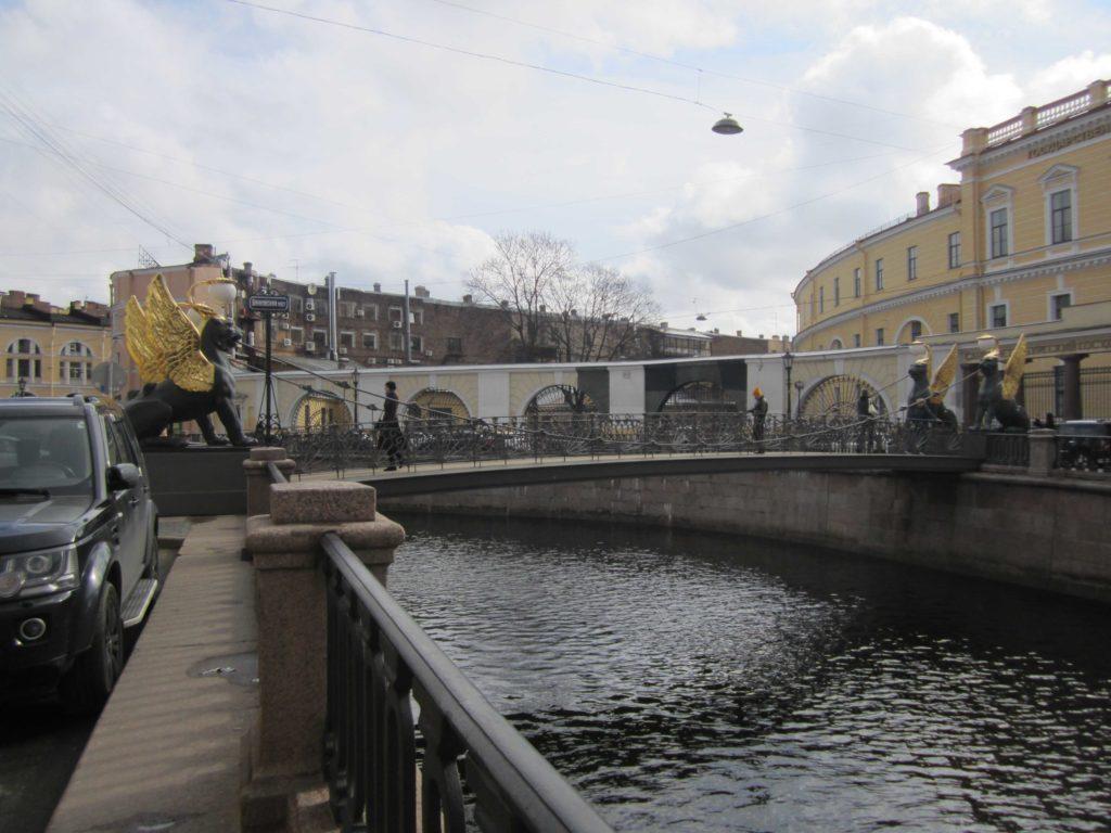 Банковский мост Санкт-Петербурга